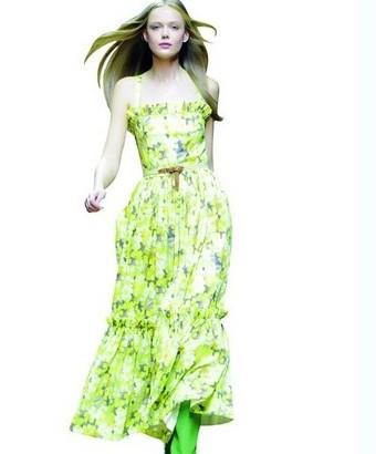 春夏服装盛行动植物印花